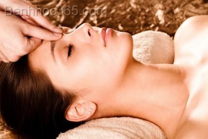 6 cách giảm đau đầu nhanh chóng nhất
