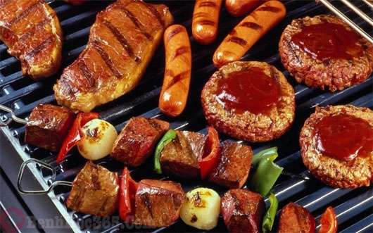 người bệnh trĩ kiêng ăn gì - thức ăn cay nóng