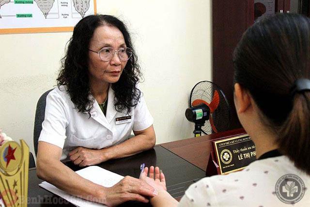 Bác sĩ Lê Phương - Người từng khám bệnh cho cả 2 mẹ con