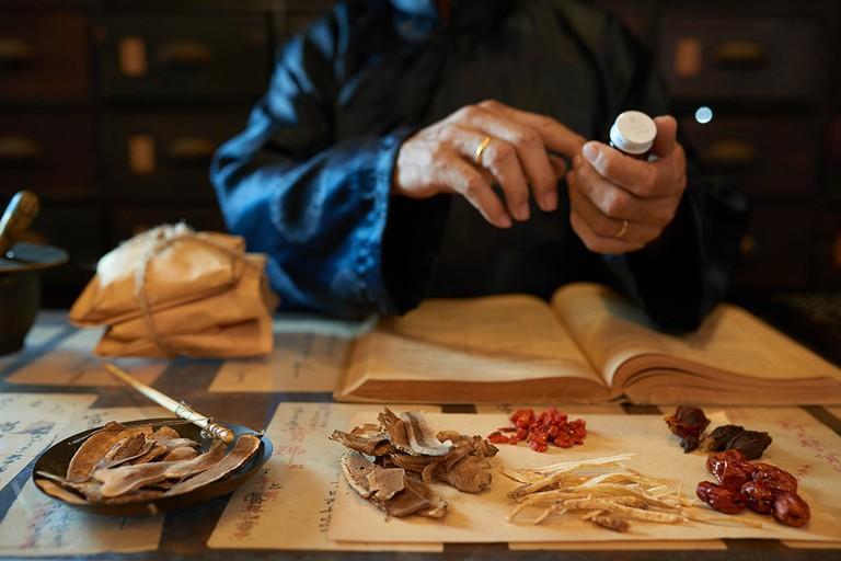 Thuốc Đông y chữa bệnh viêm đại tràng có khả năng tác động trực tiếp vào căn nguyên gây bệnh