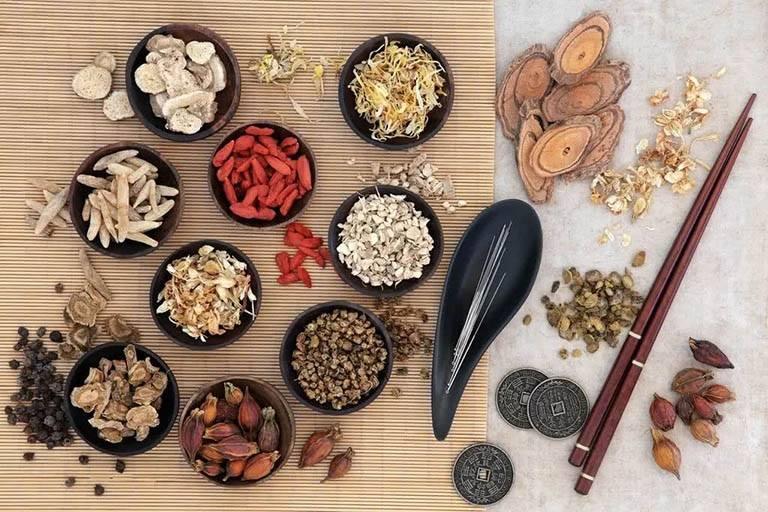 Các bài thuốc Đông y sử dụng thảo dược lành tính nên ít gây tác dụng phụ
